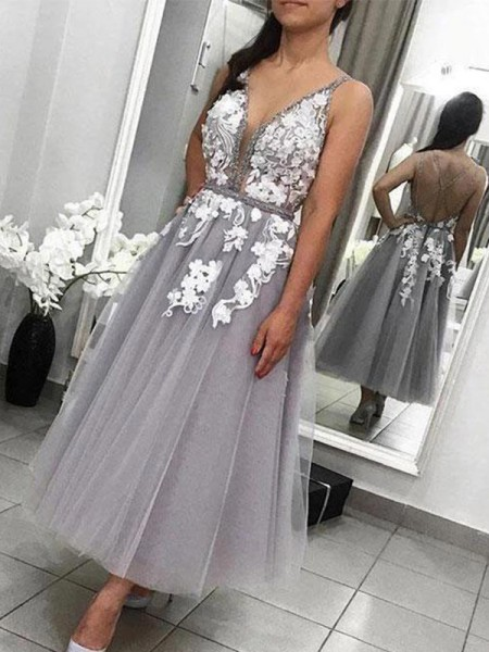 A-Line/Princess Tulle Spaghetti Straps Sleeveless Ankle-Length Homecoming Dresses with Applique