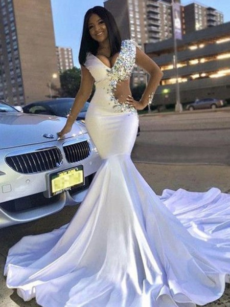 Trumpet/Mermaid Satin V-neck Sleeveless Court Train Dresses with Beading