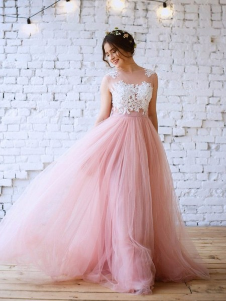 A-Line/Princess Bateau Sleeveless Tulle Sweep/Brush Train Dresses with Applique