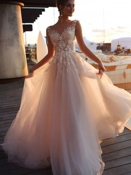 A-Line/Princess Bateau Short Sleeves Sweep/Brush Train Tulle Wedding Dresses with Applique