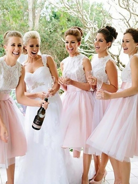 A-Line/Princess Scoop Tulle Knee-Length Bridesmaid Dresses