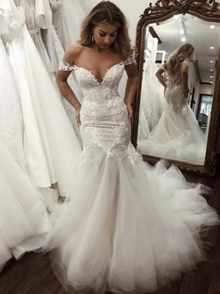 Trumpet/Mermaid Tulle Off-the-Shoulder Sleeveless Sweep/Brush Train Wedding Dresses with Applique