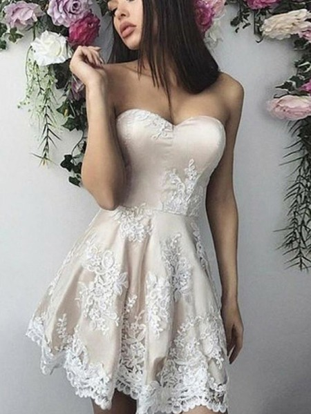 A-Line/Princess Lace Sweetheart Sleeveless Short/Mini Homecoming Dresses with Applique