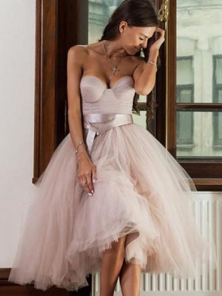 A-Line/Princess Tulle Sweetheart Sleeveless Tea-Length Homecoming Dresses with Sash/Ribbon/Belt