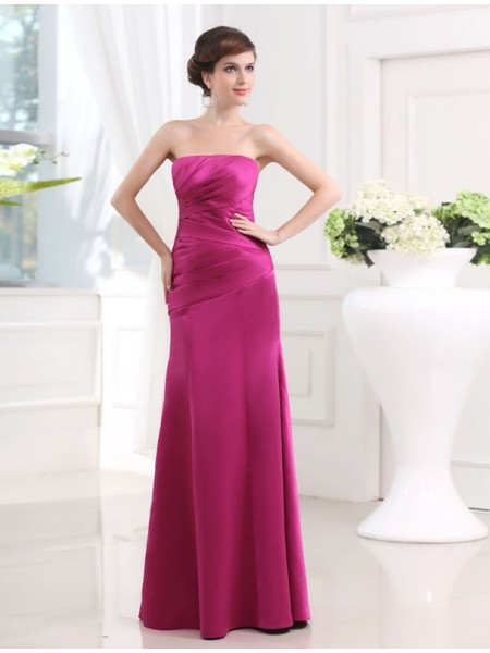 Sheath/Column Strapless Satin Bridesmaid Dress