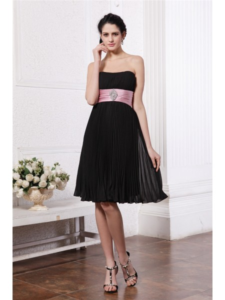A-Line/Princess Strapless Sash Short Chiffon Bridesmaid Dress