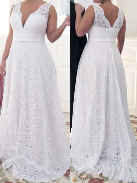 A-Line/Princess V-neck Lace Sweep/Brush Train Lace Plus Size Dresses