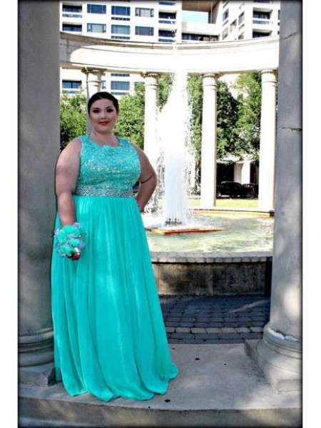 A-Line/Princess Scoop Floor-Length Chiffon Plus Size Dresses with Applique