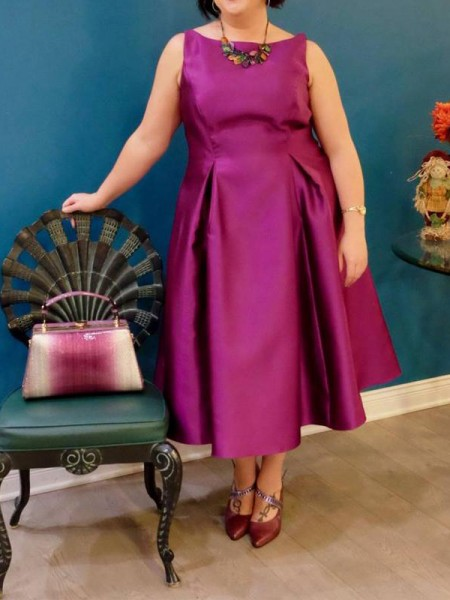 A-Line/Princess Bateau Tea-Length Satin Plus Size Dresses with Ruched