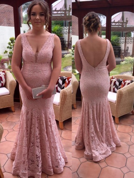 Trumpet/Mermaid V-neck Floor-Length Lace Plus Size Dresses with Beading