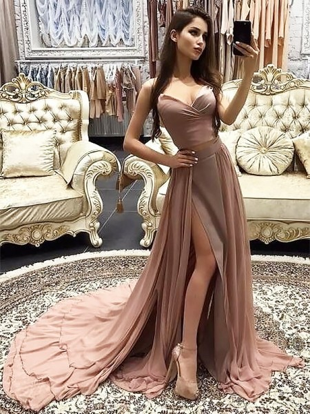 A-Line/Princess Sweetheart Sweep/Brush Train Chiffon Dresses with Layers