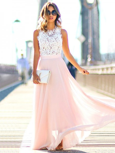 A-Line/Princess Jewel Floor-Length Chiffon Dresses with Lace
