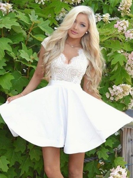 A-Line/Princess V-neck Satin Short/Mini Dresses with Lace