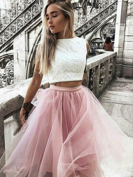 A-Line/Princess Tulle Bateau Knee-Length Two Piece Dresses with Lace
