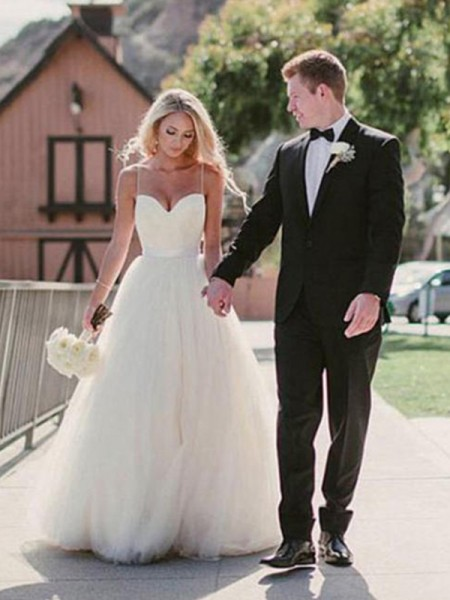 Ball Gown Sweetheart Sweep/Brush Train Tulle Wedding Dresses