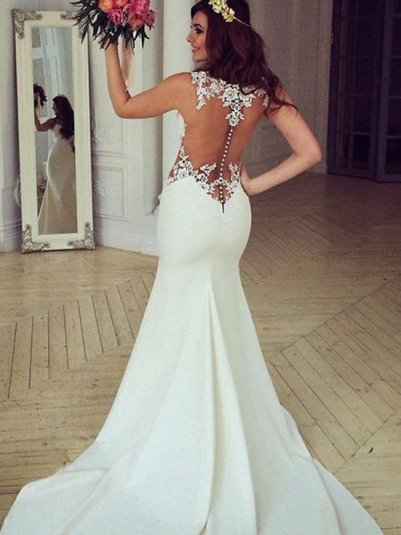Trumpet/Mermaid Scoop Sweep/Brush Train Lace Wedding Dresses with Applique