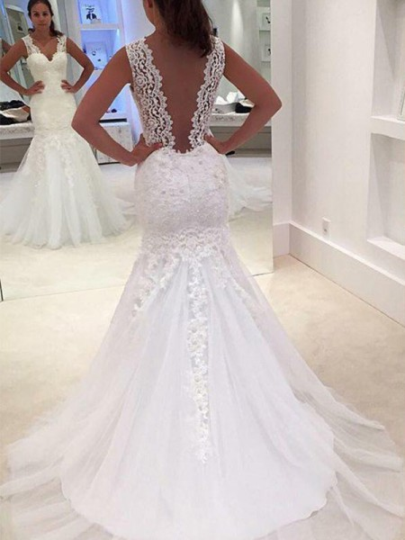 Trumpet/Mermaid Court Train V-neck Lace Wedding Dresses with Applique