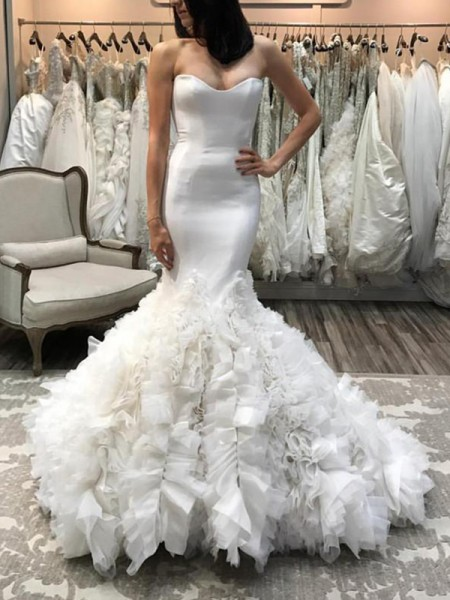 Trumpet/Mermaid Sweetheart Court Train Organza Wedding Dresses