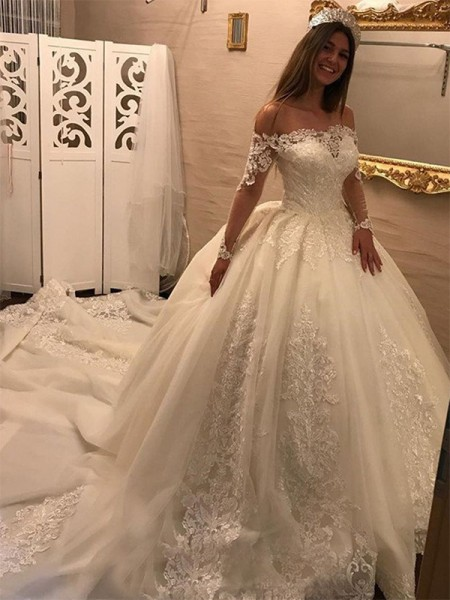 Ball Gown Off-the-Shoulder Cathedral Train Tulle Wedding Dresses with Applique