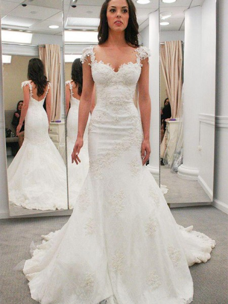 Trumpet/Mermaid Sweetheart Chapel Train Lace Wedding Dresses with Applique