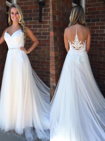 A-Line/Princess Scoop Court Train Tulle Wedding Dresses with Applique