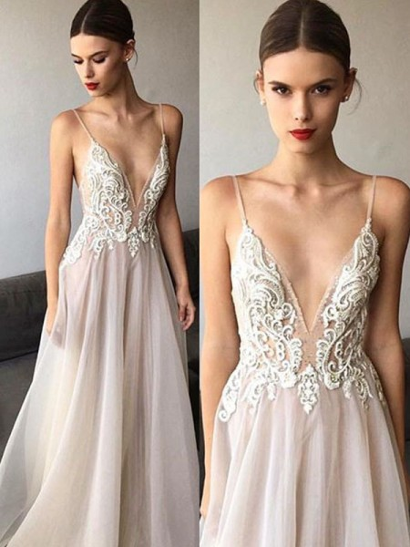 A-Line/Princess V-neck Sweep/Brush Train Spaghetti Straps Tulle Wedding Dresses with Lace