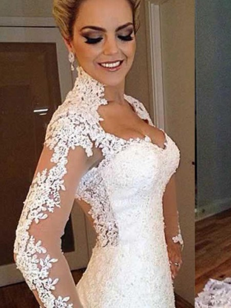Trumpet/Mermaid V-neck Sweep/Brush Train Lace Wedding Dresses with Applique