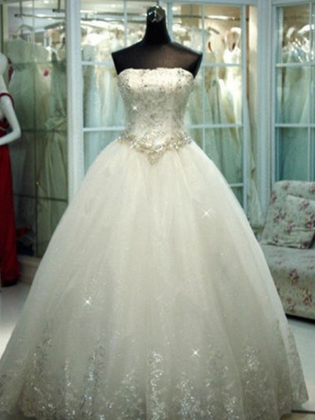 Ball Gown Strapless Tulle Floor-Length Wedding Dresses with Beading