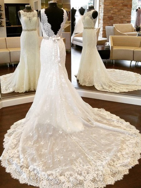 Sheath/Column Scoop Chapel Train Lace Wedding Dresses with Bowknot