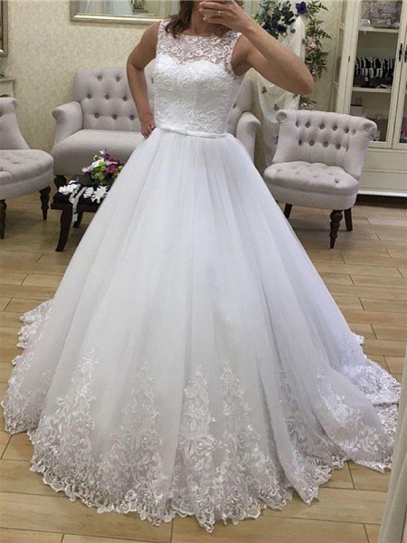Ball Gown Tulle Scoop Court Train Wedding Dresses with Applique