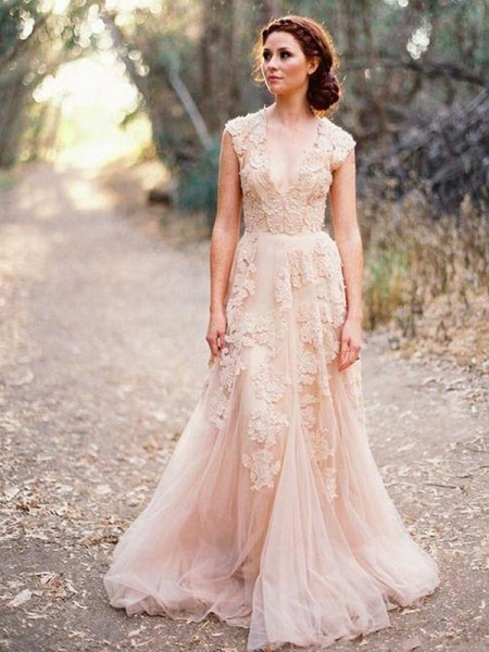 A-Line/Princess Tulle V-neck Sweep/Brush Train Wedding Dresses with Applique
