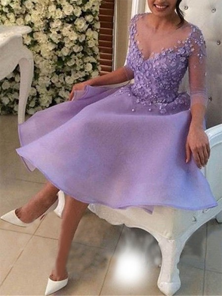 A-Line/Princess V-neck Organza Knee-Length Dresses