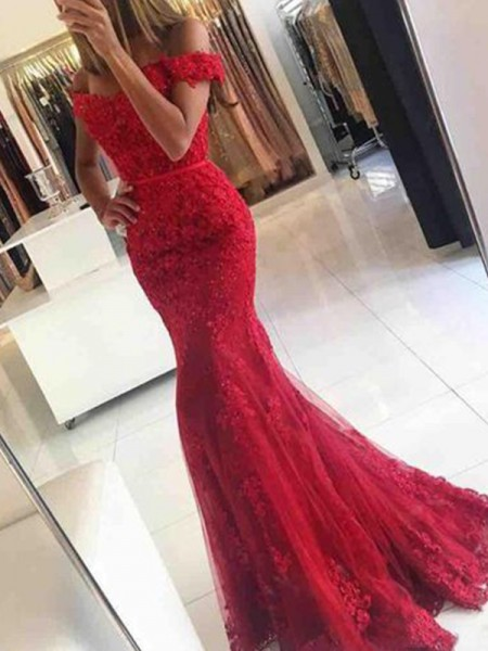 Trumpet/Mermaid Off-the-Shoulder Sweep/Brush Train Tulle Dresses with Applique
