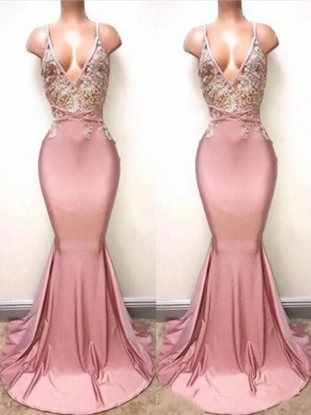 Trumpet/Mermaid V-neck Sweep/Brush Train Satin Dresses with Lace