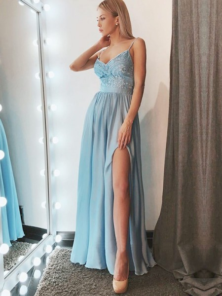 A-Line/Princess Spaghetti Straps Floor-Length Chiffon Dresses with Lace