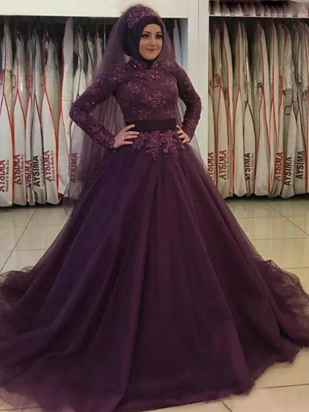 Ball Gown High Neck Sweep/Brush Train Tulle Muslim Dresses with Applique