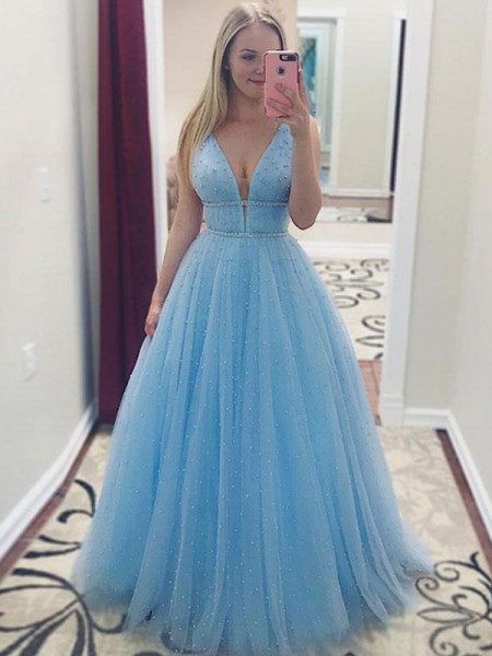 A-Line/Princess V-neck Floor-Length Tulle Dresses with Pearls