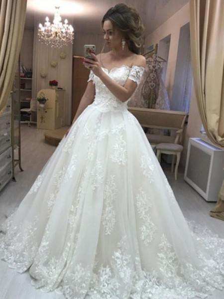 A-Line/Princess Off-the-Shoulder Sleeveless Sweep/Brush Train Tulle Wedding Dresses with Applique