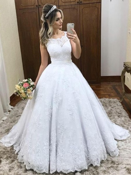 Ball Gown Scoop Sleeveless Sweep/Brush Train Satin Wedding Dresses with Lace