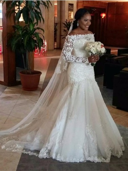 Trumpet/Mermaid Off-the-Shoulder Long Sleeves Lace Sweep/Brush Train Tulle Wedding Dress
