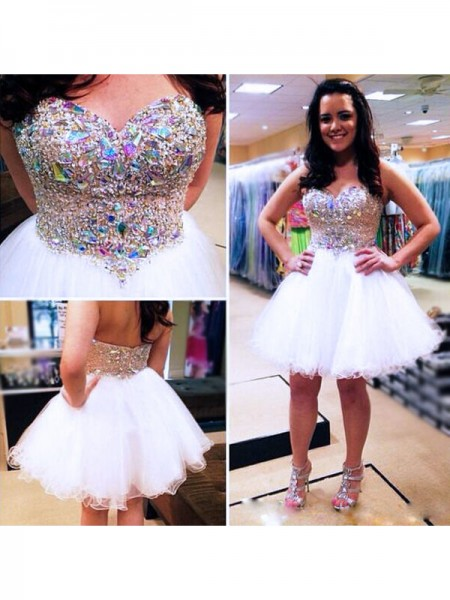 A-Line/Princess Sleeveless Sweetheart Tulle Short/Mini Dresses with Beading