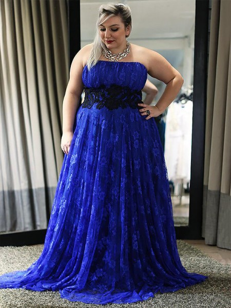 A-Line/Princess Strapless Lace Floor-Length Plus Size Dress with Applique