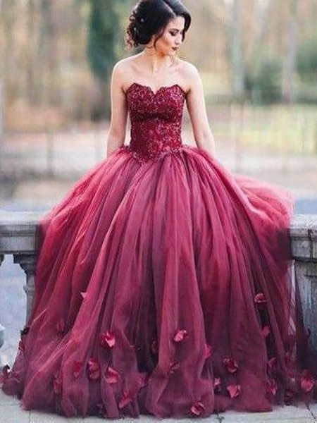 Ball Gown Sweetheart Floor-Length Tulle Dresses with Applique