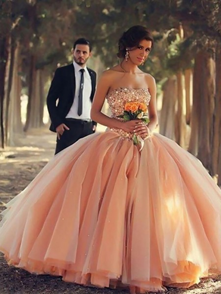 Ball Gown Strapless Floor-Length Tulle Dresses with Beading