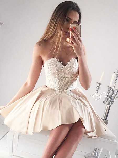 A-Line Sweetheart Sleeveless Applique Short Satin Dress
