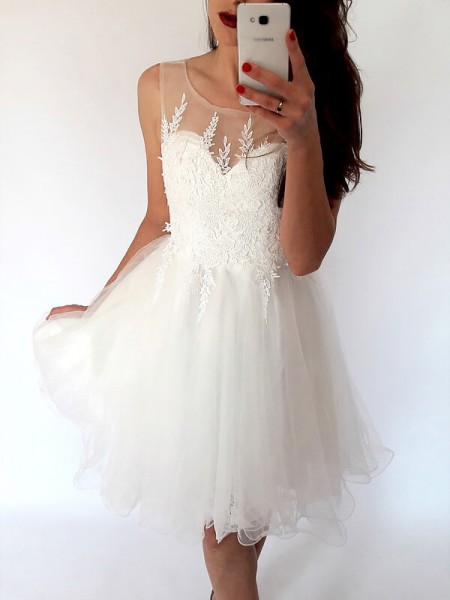 A-Line Scoop Sleeveless Tulle Short Dress