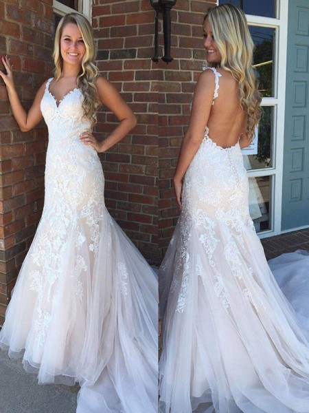 Trumpet/Mermaid V-neck Sweep/Brush Train Tulle Wedding Dresses with Applique