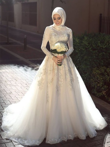 Ball Gown Jewel Sweep/Brush Train Tulle Wedding Dresses with Applique
