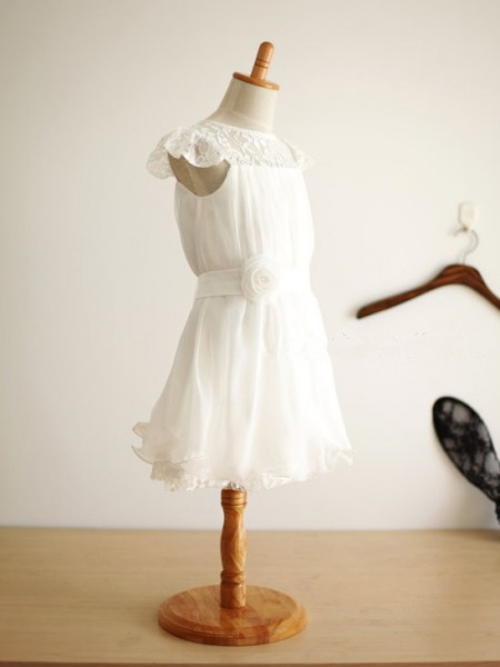 A-line/Princess Scoop Knee-Length Chiffon Flower Girl Dress with Hand-made Flower