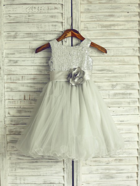 A-line/Princess Scoop Knee-Length Net Flower Girl Dress with Hand-made Flower